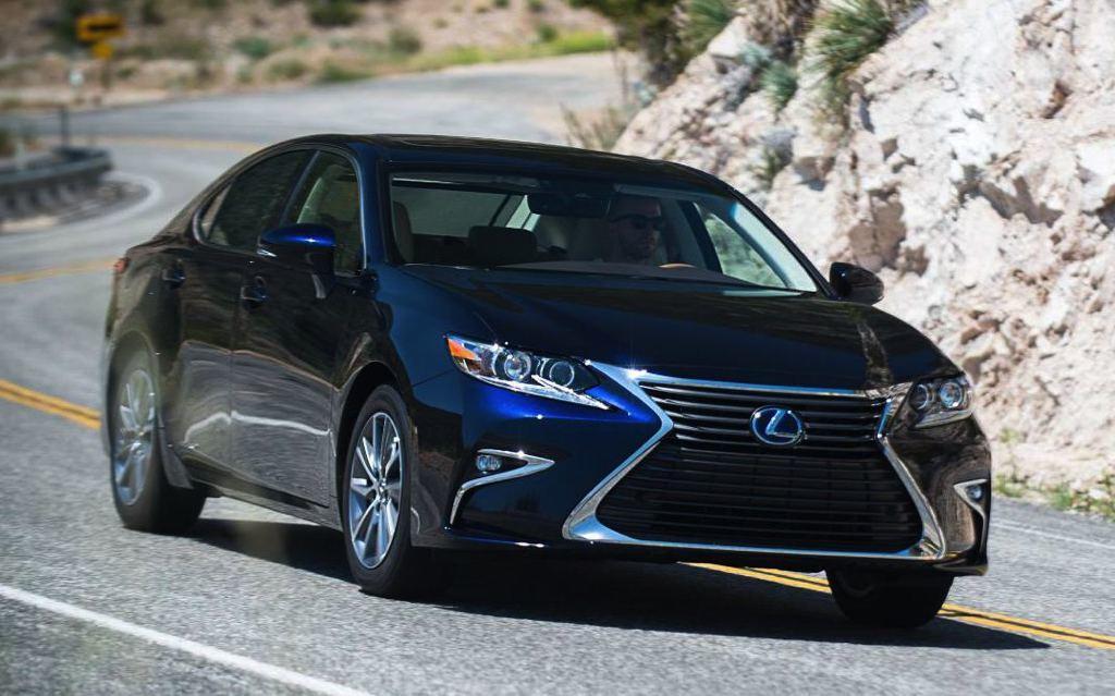 Vehicle Overview; Vehicle Location. 2018 Lexus ES Expert Review