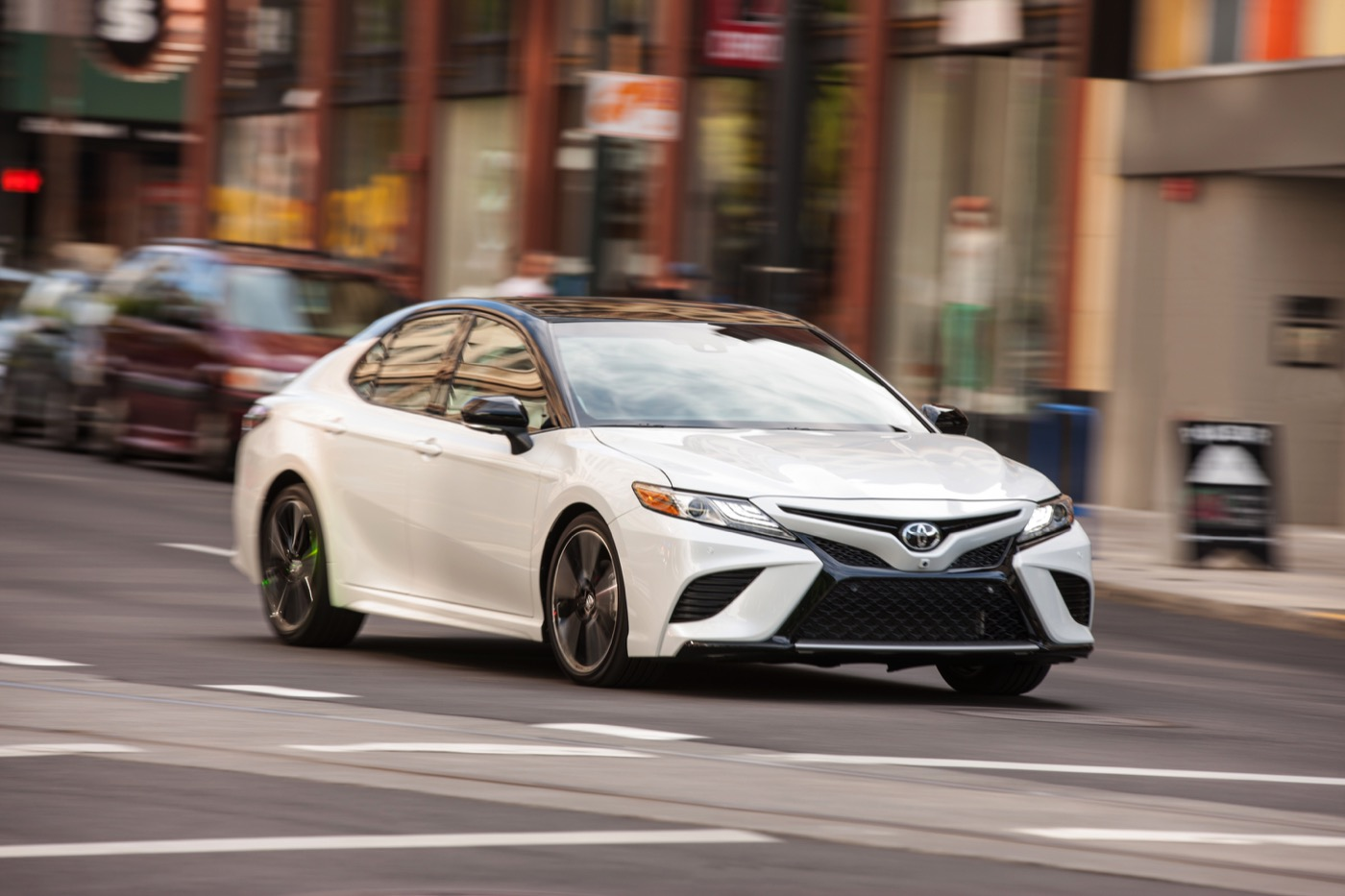 Lease 2018 Toyota Camry at AutoLux Sales and Leasing